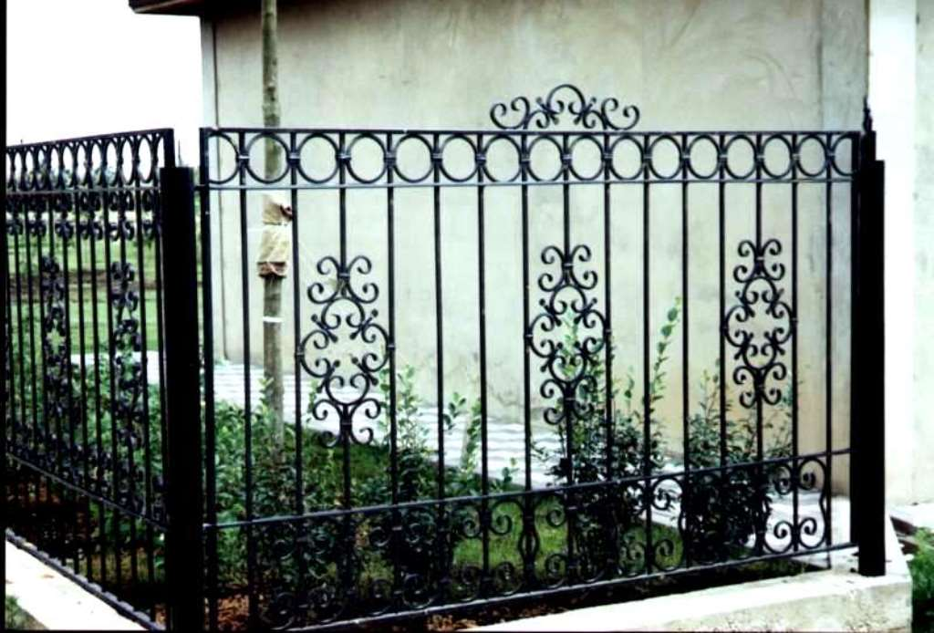 Забор своими руками фото из металла