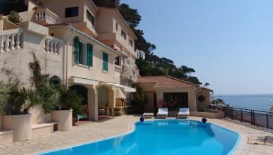 В чем причина резкого подорожания недвижимости на Кипре?